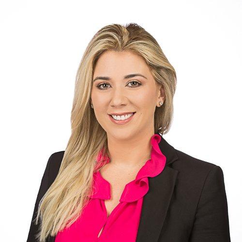 Sonia Salazar : Agente Inmobiliaria Licenciada en la Florida, Estados Unidos. 1 Team Miami Corredores inmobiliarios, Bienes Raíces e Inmuebles de Lujo en Miami, Miami Beach y el Sur de la Florida